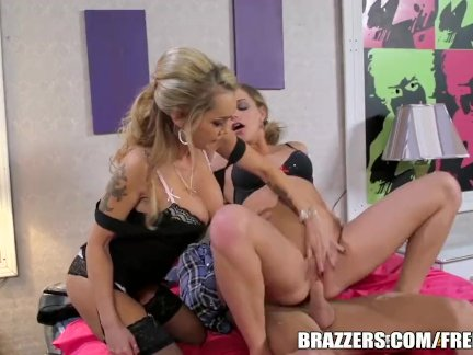 Milf comes in for the threesome - brazzers