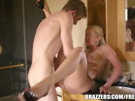 Alexis Monroe takes big dick - brazzers