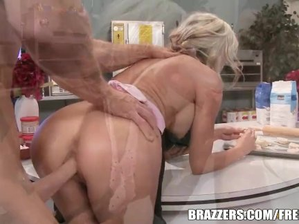 Sindy Lange gets fucked - brazzers