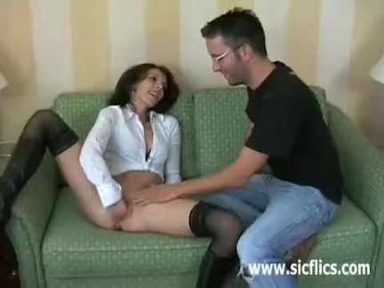 Petite amateur babe brutally fisted till she