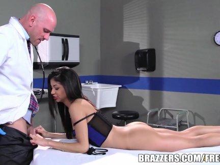 Veronica Rodriguez fucks her doc - Brazzers