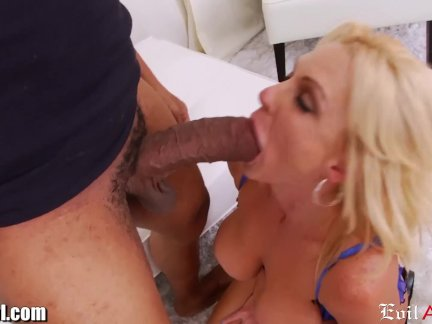 Squirting MILF Has a Huge Toy and BBC