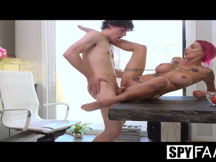 SpyFam Stepmom Anna Bell Peaks anal fuck and creampie by stepson