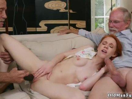Секс со зрелыми женщинами на пикнике онлайн