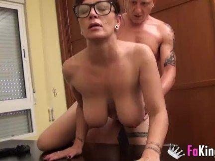 Порно преподовательницы со студентом