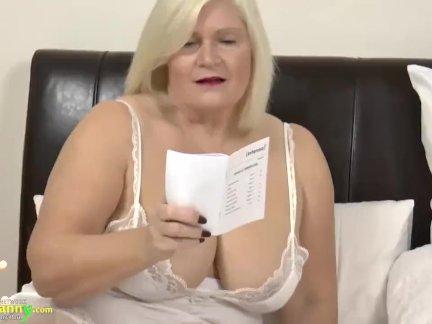 Онлайн порно лесби молодая со зрелой