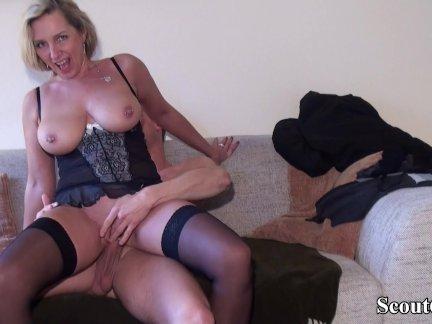 Отымел мамку друга порно видео