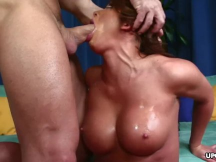 Fucking Mia from the back and doing it real raw