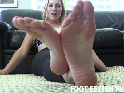 Femdom Foot Fetish And Toe Sucking Porn
