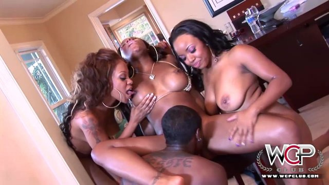 Best Ebony Pornstars all cumming together - sex video
