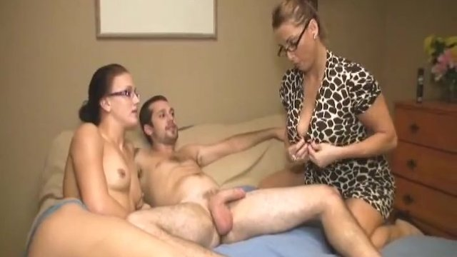 Busty milf blowjob in front of her daughter - sex video