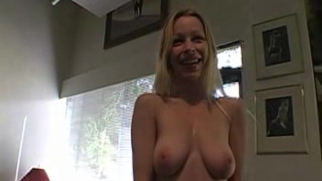 Busty amateur Candace masturbates her pussy after interview