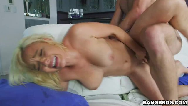 Kylie Page Likes To Fuck - sex video