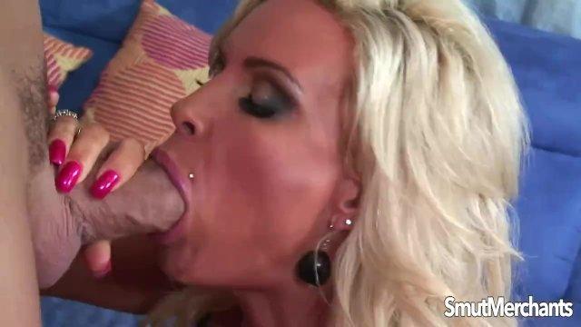Sexy blonde pornstar MILF takes fat cock - sex video