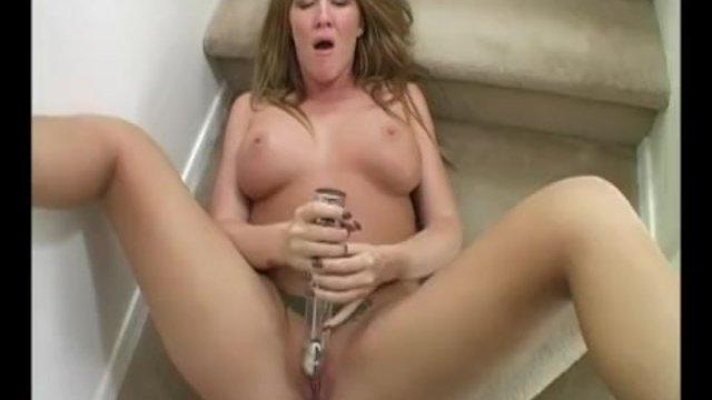 Yanks MILF Morgan Reigns Cums - sex video