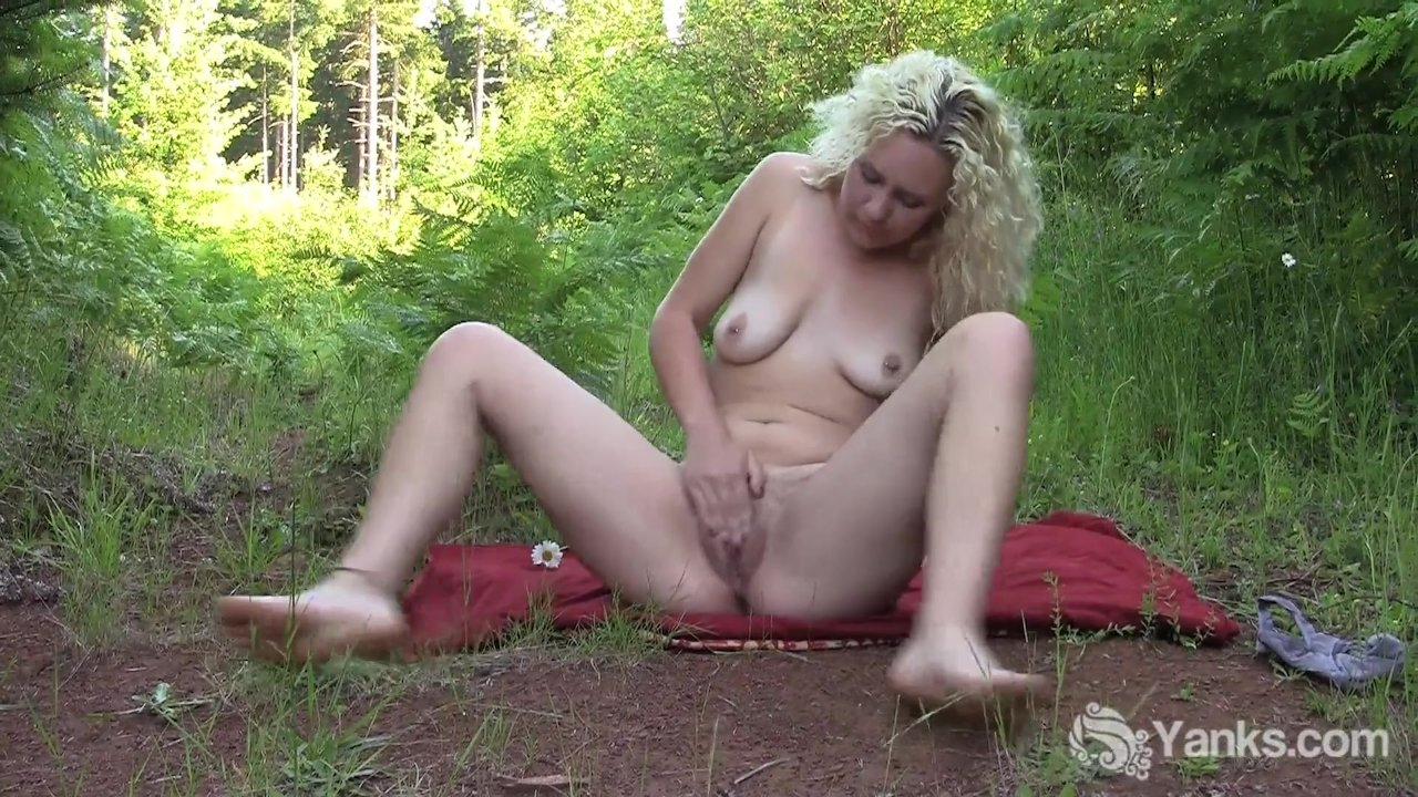 Blonde Girl Rubby Masturbating Hard Outdoors