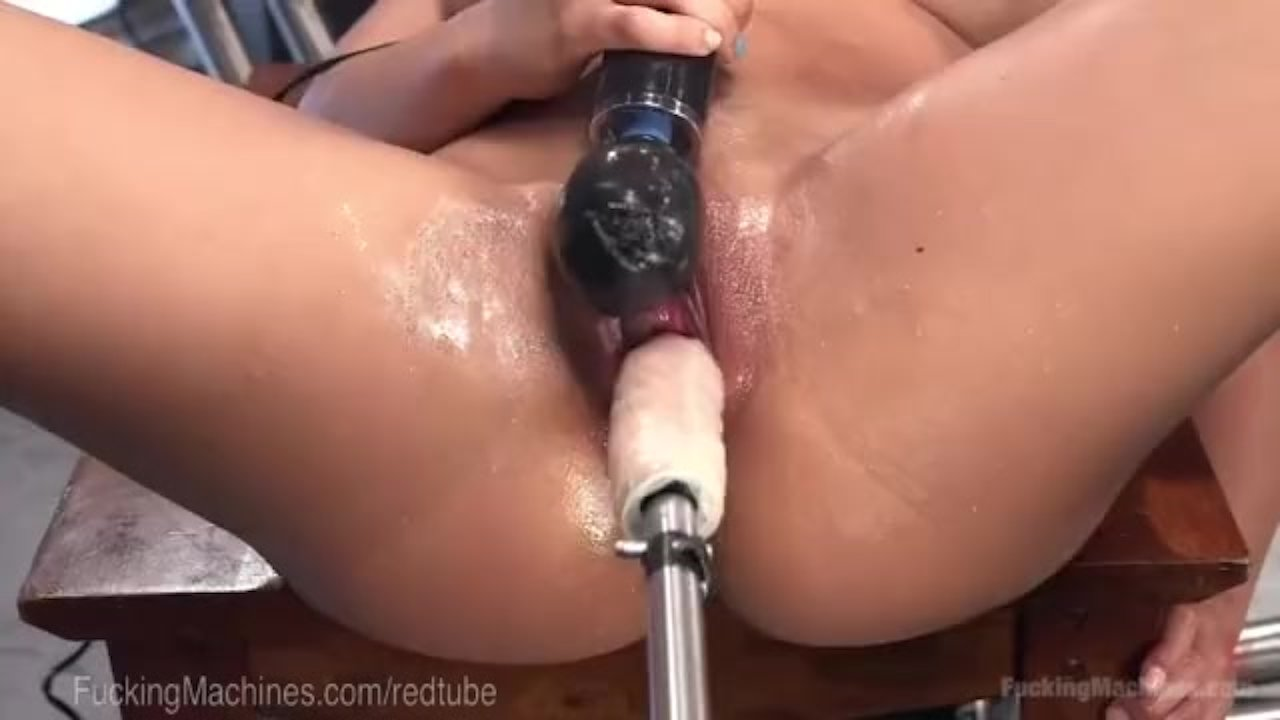 Free pics on young hairy pussy