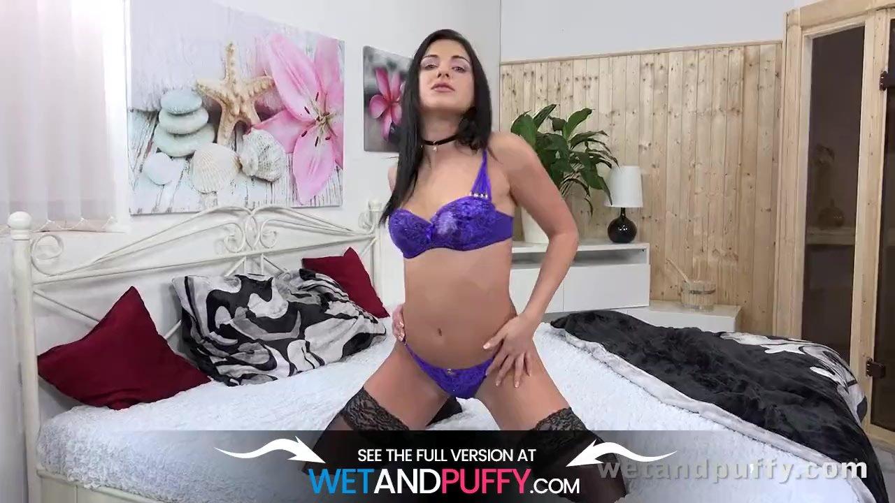 Wetandpuffy - Purple Vibrator Love