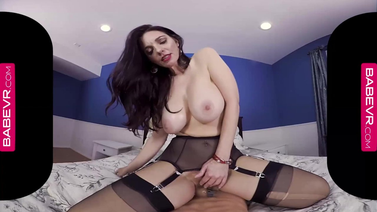 BaBeVRcom Sexual Experience Of A Lifetime With Busty MILF Mindi Mink