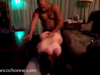 Redhead shoots her frst interracial video !