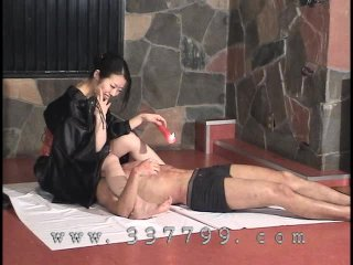 Japanese femdom K enjoy the in hot wax...