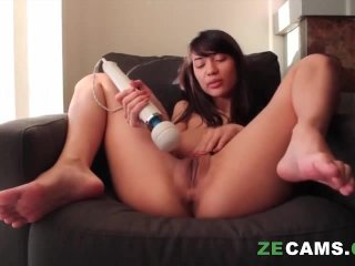 Submissive zoe doll gets drilled