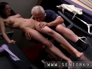 Fuck Young Horny Senior Bruce...
