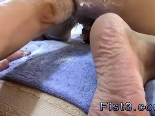 Amateur and pissing fist n fuck...