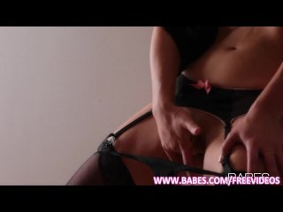 Silk skinned beauty Lexi Swallow rubs and cums
