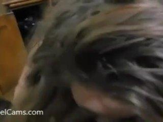 Babenka pristihnutá pri pozeraní porna