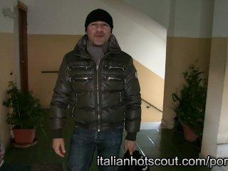 bellissima MILF italiana prima volta hard