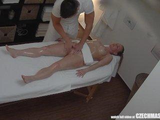 Vaginálna masáž sexy blondínky