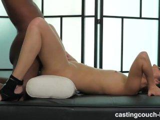 Aziatka a jej úžasný orgazmus