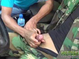 Army boy has a pricknick regarding a outsider