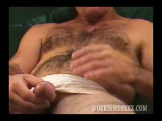 Homemade Dusting of Mature Amateur Larry Beating Wanting