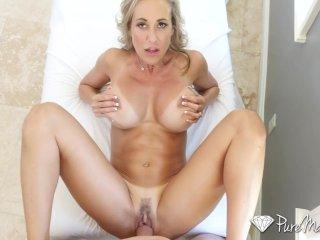Pornohviezda ma sex s trénerom tenisu
