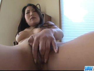A szép ázsiai suna meg a puncija