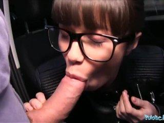 Pouličný sex agent dá zarobiť mladej ruske