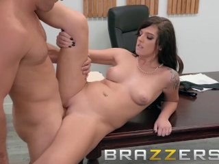 Brazzers - Scarlett Mae knows how to get the job