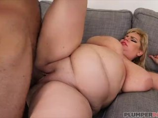 Lovely Busty BBW In Latex Has a Fetish Fuck Party