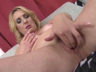 Naughty housewife Lindsey fingering herself
