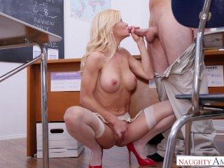 Первый секс с учительницей