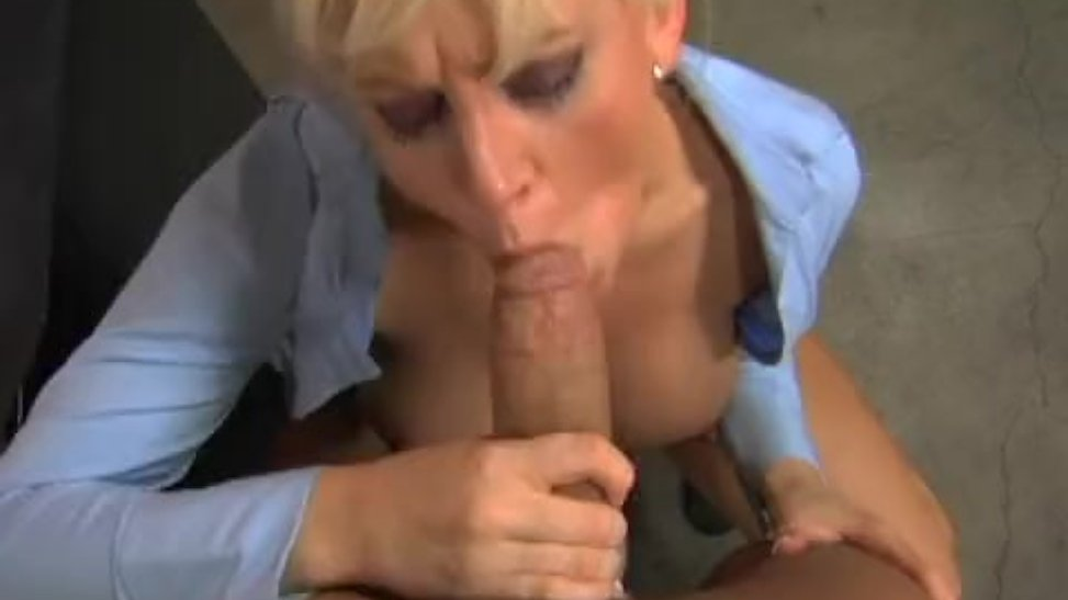 sekretarsha-posle-raboti-porno