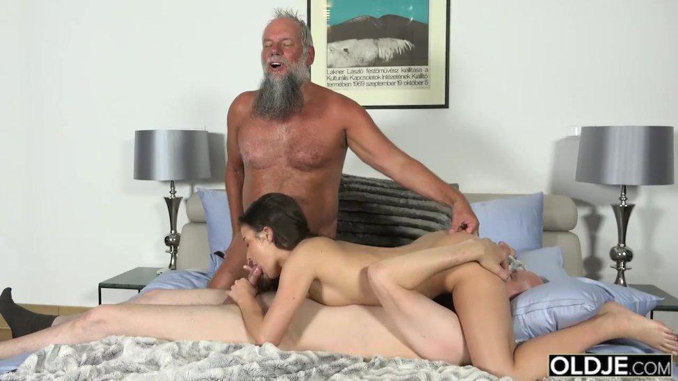 Порно фото член кончает 10539 фотография
