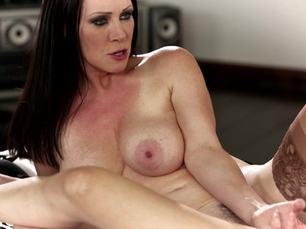 brunettes ray veness and jenna reid