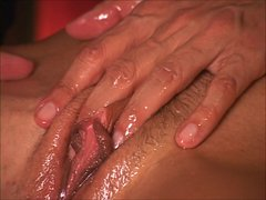 Guru makes MILF squirt like supersoaker