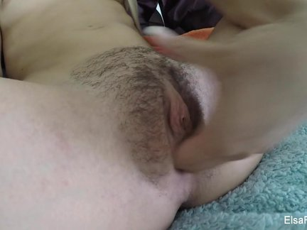 Tiny babe Elsa Jean fingers her hairy pussy