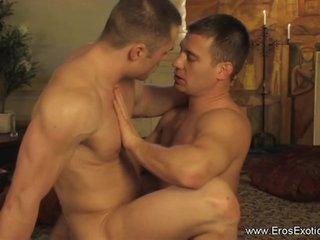 Красивые и нежные геи видео