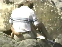 Video porno voyeur, hombre manoseando a una mujer