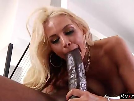 sarah vandella – backdoor with mandingo
